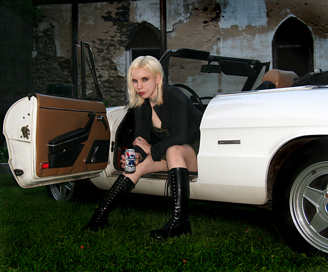 http://www.chrismacan.com/models/amaya/Img_0031w4-s.jpg